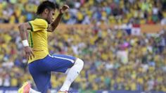 Neymar leads Brazil to win over Panama - Brazil's Neymar celebrates after scoring against Panama during a friendly soccer match at the Serra Dourada stadium in Goiania, Brazil, Tuesday, June (AP Photo/Andre Penner) Neymar, Soccer Match, Free Kick, World Football, World Cup, Panama, Brazil, Kicks, Celebrities