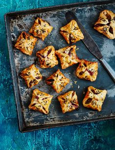 Turkey, stuffing and cranberry sausage puffs Try these crispy turkey, stuffing and cranberry sausage puffs for an easy festive canapé. This recipe makes 15 and can be made well in advance, meaning you'll be ready for all those Christmas parties