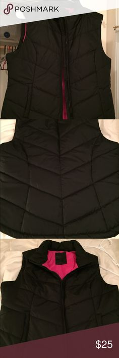 Black vest with pink on the inside. Size extra large vest from Aeropostale. Lightly used. Good condition. Zipper works. Black on the outside with pink on the inside. Aeropostale Jackets & Coats Vests