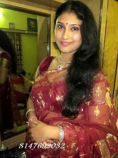 So xxxx looking Beauty Full Girl, Beauty Women, Mallu Aunties, Tamil Girls, Lonely Girl, Dating Girls, Beautiful Long Hair, India Beauty, Housewife