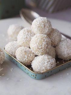 Hjemmelavede 'Rafaello' – hvid chokolade, mandler og kokos