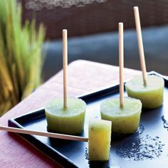 Cucumber-Lime Pops with Gin - Tim Love freezes all kinds of cocktails on sticks for backyard parties, but his cucumber-mint version is especially good on a blazing-hot day. To prevent the pops from melting too quickly, he adds gelatin to the mixture. Gin Recipes, Cucumber Recipes, Dessert Recipes, Cooking Recipes, Dishes Recipes, Recipes Dinner, Vegetarian Recipes, Cocktail Party Food, Cocktail Recipes