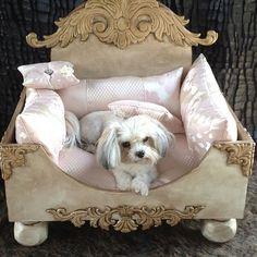 Princess pet bed