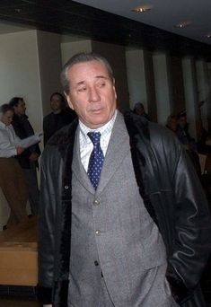 Vito Rizzuto (February 1946 – December was alleged to be the leading boss of the Sicilian Mafia in Canada. He headed the notorious Rizzuto crime family, based in Montreal. Real Gangster, Mafia Gangster, Gangsters, Frank Nitti, Mafia Crime, Mafia Families, Al Capone, The Godfather, Lord