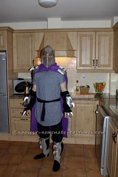 Cool Homemade Ninja Turtle's Shredder Costume Made in 3 Days! Girl Group Costumes, Costumes For Teens, Couple Halloween Costumes, Woman Costumes, Pirate Costumes, Adult Costumes, Halloween Diy, Costume Ninja, Group Halloween
