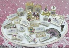 Very pretty dollhouse vanity items