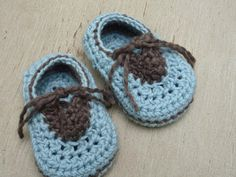 Hiding Your Stitch! Crochet Baby Shoes - Photo Tutorial