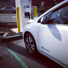 me and my #ev up early.. lol  20% to 55 % in 15m.. this can't be good for the battery  #newcar #nissan #leaf #electriccar #ever #gogreen #electricvehicle #pic #car by kuaybeatz