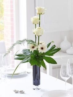 best 25 contemporary flower arrangements ideas on Contemporary Flower Arrangements, Creative Flower Arrangements, Flower Arrangement Designs, Ikebana Flower Arrangement, Church Flower Arrangements, Ikebana Arrangements, Beautiful Flower Arrangements, Flower Designs, Floral Arrangements