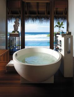 Gorgeous Bath Tub with Amazing Views # inscapes design
