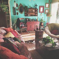 Farbenfrohes Wohnzimmer im Bohemia-Stil