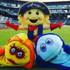 Who learned to swim with my amigos Gus and Goldie?   #amigos #swimming #itsanElPasothing #ElPaso #texas