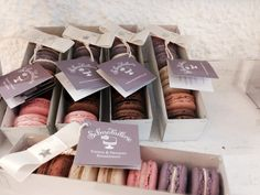 Schnabulerie Mödling macarons Photocredit Andrea PICKL Macarons, Food And Drink, Coffee, Drinks, Vanilla, Strawberries, Chocolate, Kaffee, Drinking