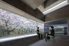 Oriel Window House  / Shinsuke Fujii Architects