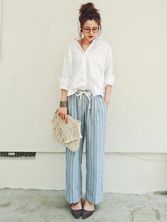 Locariの記事「夏は色っぽく着痩せを目指す♡ビッグシルエットシャツがかわいい!」。今話題のファッションやトレンド情報をご覧いただけます。ZOZOTOWNは2,000ブランド以上のアイテムを公式に取扱うファッション通販サイトです。