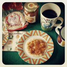 Breakfast with gjetost (brown cheese) from Norway and mulberry jam. (+ mug from iittala and enamel mug from Hackman). Photo by mademoiselle MAYBEE. July 2013, Estonia.