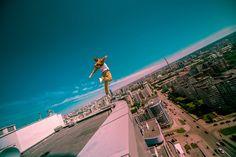 世界中の高層ビルのてっぺんで自撮りしてみた(画像)