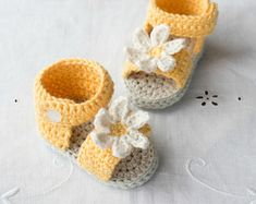 CROCHET PATTERN - Daisy Delight Baby Sandals