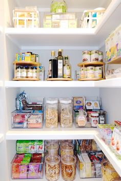 We break down kitchen pantry storage ideas with these six tips to get organized and keep things tidy. Kitchen Organization Pantry, Home Organisation, Pantry Storage, Kitchen Pantry, Organization Hacks, Kitchen Storage, Storage Spaces, Organized Pantry, Pantry Labels