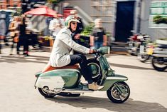 It's a simple recipe: 20 years of ownership, a flash of inspiration, and great taste Vespa Gts, Lambretta Scooter, Vespa Scooters, Retro Scooter, Scooter Girl, Tim Scott, Motor Scooters, Sidecar, Electric Scooter