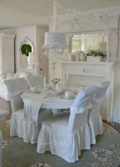Use Bedding in an Unconventional Way For Your Shabby Chic Dining Room Decoration. Use Bedding in an Unconventional Way For Your Shabby Chic Dining Room Decoration. Shabby Chic Dining Room, Chic Living Room, Shabby Chic Kitchen, Shabby Chic Cottage, Shabby Chic Homes, Shabby Chic Furniture, Shabby Chic Slipcovers, Romantic Cottage, White Cottage