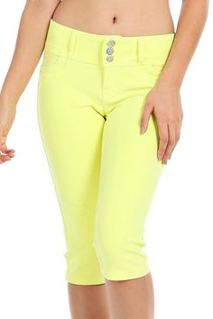 SOLID THREE BUTTON CLOSURE CAPRI PANTS-Yellow