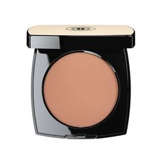 LES BEIGES Healthy Glow Sheer Colour SPF 15 ❤ liked on Polyvore featuring beauty products, makeup, face makeup, foundation, beauty, chanel, chanel face makeup, chanel foundation and spf foundation