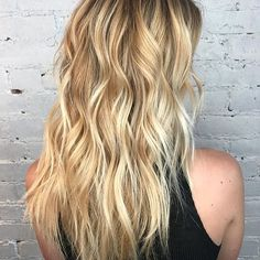 Honey Lights. Color by @sarahmgdoeshair  #hair #hairenvy #hairtalk #hairstyles #haircolor #blonde #balayage #highlights #newandnow #inspiration #maneinterest