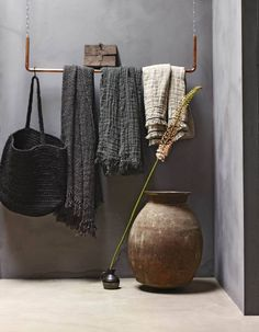 Amazing open wardrobe slow life art of living wabi sabi . - Best Decoration ideas for the home Wabi Sabi, Apartment Interior Design, Interior Styling, Interior Decorating, Decorating Tips, Nordic Interior Design, Design Interiors, Decorating Websites, Scandinavian Interior