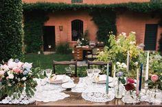 tavola matrimonio con centrini Wedding Decorations, Table Decorations, Vintage Inspired, Vintage Style, White Decor, Winter White, Unique Weddings, Pretty Dresses, Big Day