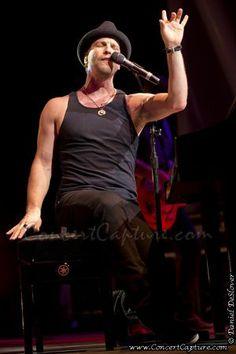 Gavin DeGraw concert photo
