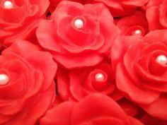 Lindo sabonete AVULSO de rosas com detalhe de pérola, elaborado com essências e cores a sua escolha.  Embalado em plástico strech.  Ideal para lembrancinhas de aniversário, casamento, noivado e dia das mães.  * Lavanda  *Mamãe e bebê  *Erva doce  *Bambu  *Floral  *Provense.    ATENÇÃO:  *o prazo ...