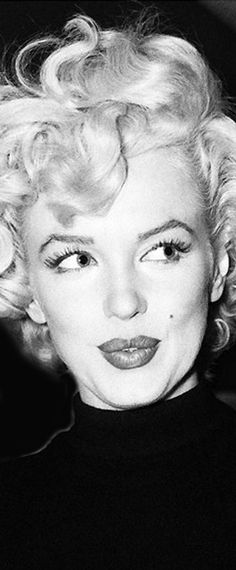 Marilyn Monroe: Iconic image of the Hollywood actress / sex symbol …. #marilynmonroe #pinup #monroe #normajeane #iconic #sexsymbol #hollywoodlegend #hollywoodactress