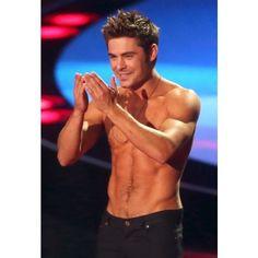 Blog de la Tele Zac Efron gana y le quitan su camisa en los MTV Movie... ❤ liked on Polyvore featuring zac efron