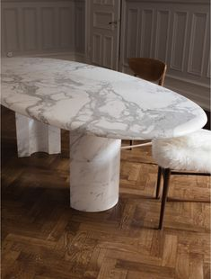 Vintage by Mouche Marble Table