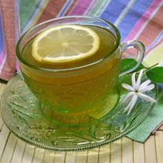 5 Lightning-Quick Drinks To Soothe Sore Throats