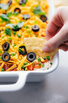 This 7 Layer Bean Dip is the ultimate game-day/party food OR fun lunch. It's packed with delicious flavors and it's so easy to assemble. 7 Layer Bean Dip, Layered Bean Dip, Appetizer Dips, Appetizers For Party, Appetizer Recipes, Party Dips, Party Fun, Yummy Appetizers, Party Snacks