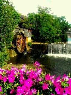 The Old Mill in #Pigeon #Forge #Tennessee