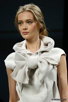 Bottega Veneta Spring 2015 Ready-to-Wear Fashion Show Moda Fashion, Fashion Week, Runway Fashion, High Fashion, Fashion Beauty, Fashion Show, Style Fashion, How To Have Style, Jeanne Lanvin