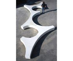 Banc design en beton Folia, Guyon mobilier urbain / Design concrete bench, Guyon, street furniture