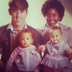 Tia and Tamera Mowry as babies with their parents. crazy VISIT FOR MORE Tia and Tamera Mowry as babies with their parents. crazy The post Tia and Tamera Mowry as babies with their parents. crazy appeared first on Celebrities. Familia Interracial, Interracial Family, Interracial Marriage, Beautiful Family, Black Is Beautiful, Beautiful Children, Tia And Tamera Mowry, Black Families, Mixed Families