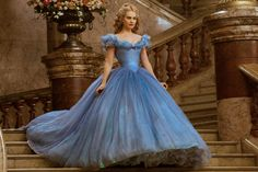 Kenneth Branagh's new fairy tale film doesn't reinvent any carriage wheels, but it tells its story with elegant and admirable efficiency. #Cinderella_2015