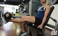 Exercício: Banco Extensor Unilateral. Grupo muscular: Quadríceps (coxa anterior). Execução correta, recomendações, cuidados e mais informações.