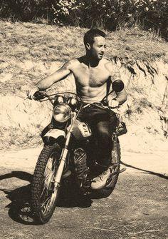 Alex O'Loughlin... this man, this beautiful wonderful looking' australian man!