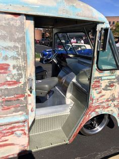 Interior pix of typical sled Ford Transmissions, Step Van, Old School Vans, Shop Truck, Cool Vans, Vans Shop, Vintage Vans, Custom Vans, Truck Camper