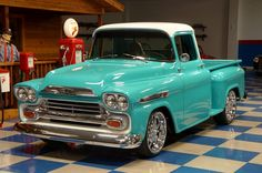 Chevy trucks aficionados are not just after the newer trucks built by Chevrolet. They are also into oldies but goodies trucks that have been magnificently preserved for long years. Old Pickup Trucks, Hot Rod Trucks, Cool Trucks, Gmc Pickup, Chevy Apache, Chevy Stepside, Chevy Pickups, Antique Trucks, Vintage Trucks