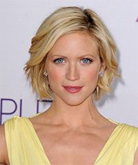 Brittany Snow Hairstyle: Casual Short Straight Hairstyle