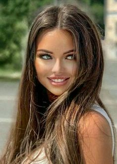Most Beautiful Faces, Gorgeous Eyes, Gorgeous Women, Pretty Girl Face, Pretty Woman, Brunette Beauty, Hair Beauty, Woman Face, Girl Pictures