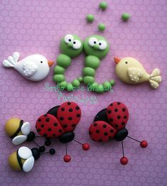 *POLYMER CLAY ~ Very cute! another idea for using clay then painting Polymer Clay Kunst, Polymer Clay Animals, Fimo Clay, Polymer Clay Projects, Polymer Clay Charms, Polymer Clay Creations, Clay Crafts, Fondant Animals, Play Clay