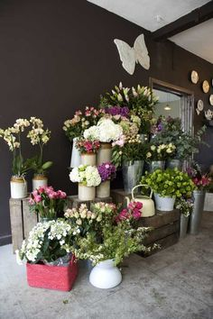 Florist Hurstpierpoint Sussex. I am in love with English flower shops. Sigh.
